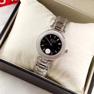 【早い者勝ち】 Versace シャレな腕時計