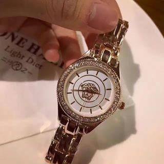 ヴェルサーチ レディース 腕時計