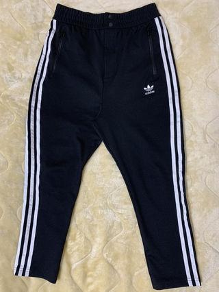 Adidas トラックパンツ