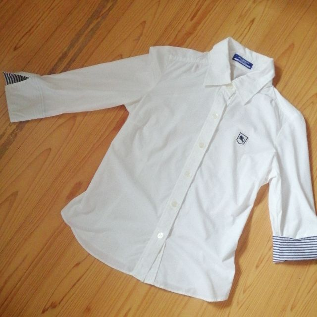 BUBRBERRYhorse刺繍人気白シャツ