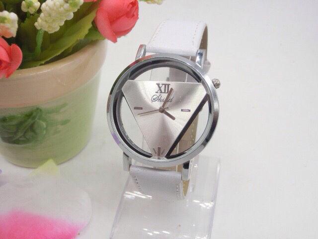 c239e50c76 人気な三角腕時計(ノーブランド ) - フリマアプリ&サイトShoppies[ショッピーズ]