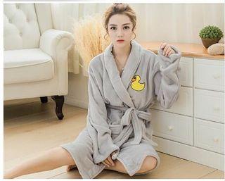 秋冬ネグリジェ  黄黄ガモ 可愛い パジャマ