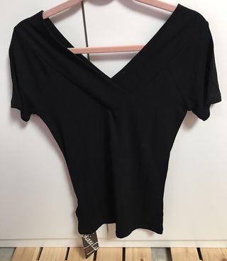 skinnyLipフィット感黒Tシャツ