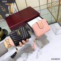 国内発送大人気イヴサンローラン。折り財布。