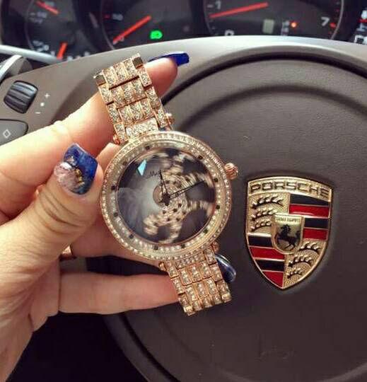 新品レオパードパンサーラグジュアリー グルグル腕時計
