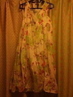 ノースリーブ水彩画風花柄ワンピース