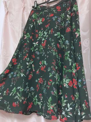 NATURAL BEAUTY BASIC 黒花柄スカート