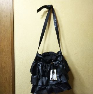 casita新品タグ付合皮フリルショルダー/黒