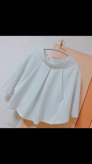 白 プリーツスカート
