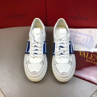 新品高品質 Valentino スニーカー