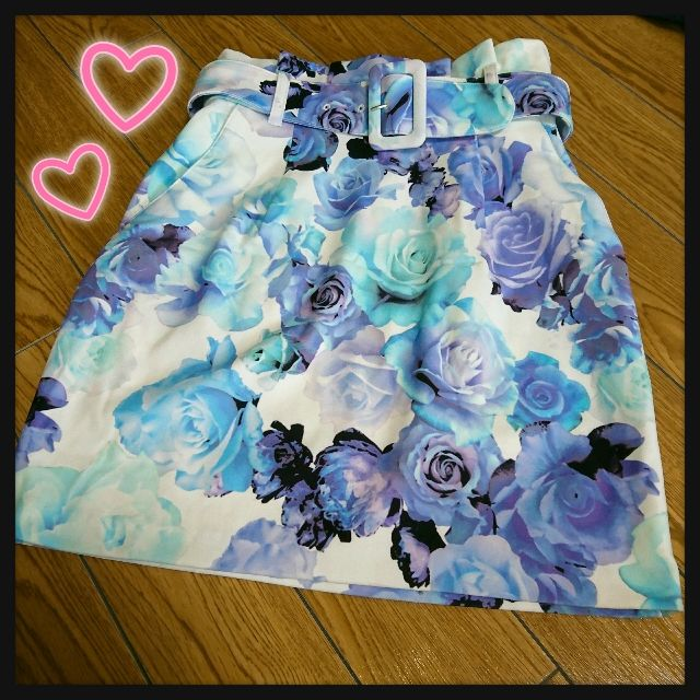 新品タグ付rienda花柄ハイウエストスカート