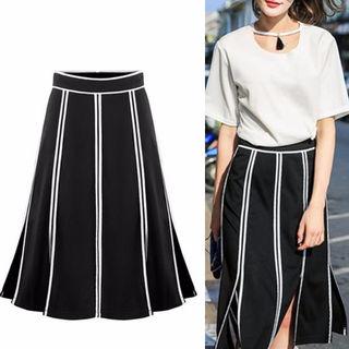 フレアとスリットがキュートなストライプ柄スカート☆【XL】