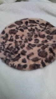 smoochヒョウ柄ふわふわアンゴラベレー帽