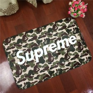supremeの人気マット 2枚セット 国内発送