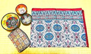 財布、陶器、ショール