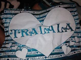 TRALALAのビーチバック