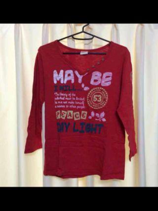 赤 プリントTシャツ