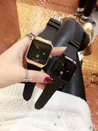 男女兼用GIVENCHYジバンシィ 腕時計 美品
