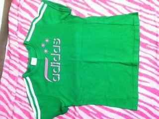 アディダス☆Tシャツ☆緑×ピンク