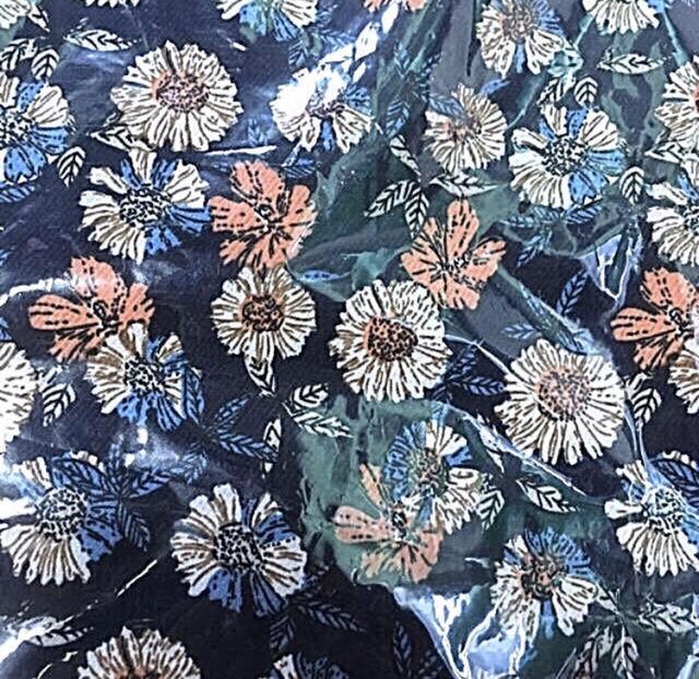 z6  花柄のシャツM