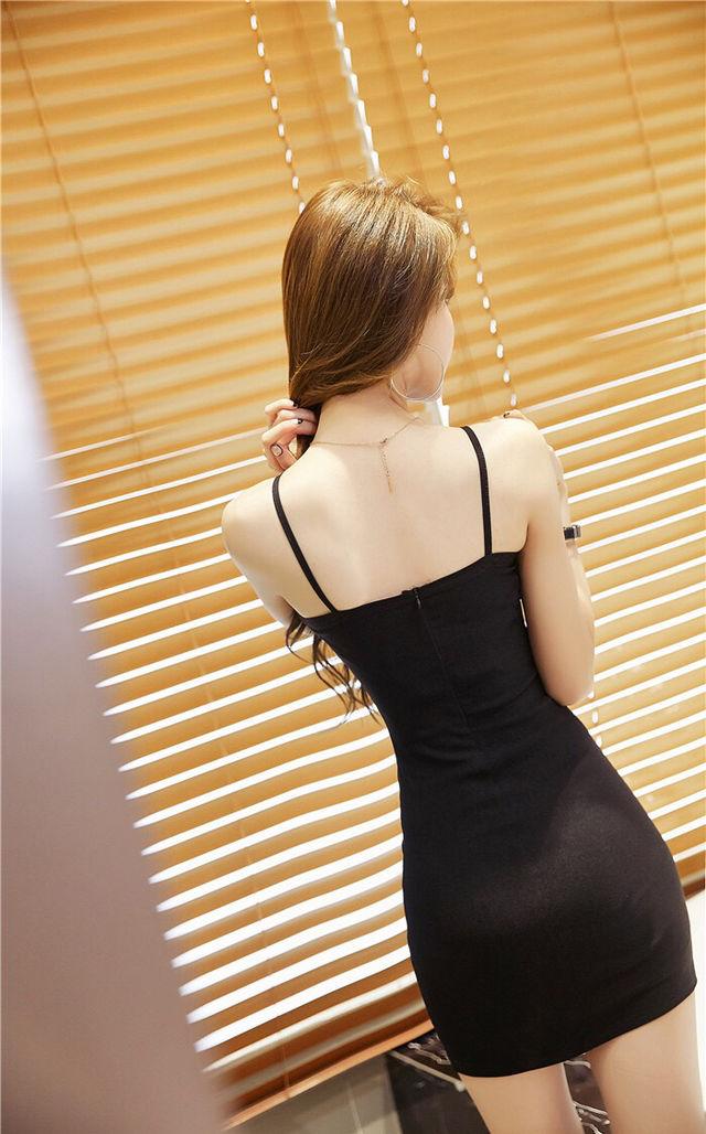 即日発送!黒 シンプル 胸元セクシー タイト ミニドレス