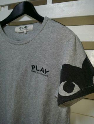 コムデギャルソン PLAY ショルダープリントTシャツ灰色