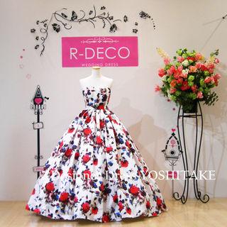 ウエディングドレス 花柄白ベース赤いばら