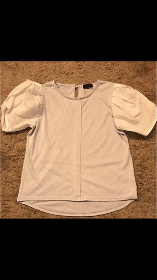 apart by lowrysのTシャツ