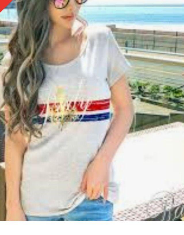 かすれシャンデリアTシャツ