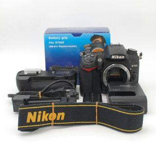 Nikon D7000 ボディ&バッテリーグリップ
