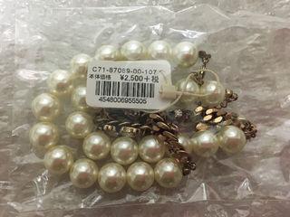 真珠風のネックレスです