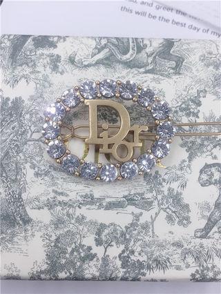 爆売り 可愛い新品 Dior ブローチ 早い者勝ち