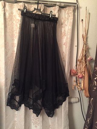 29.黒レースロングスカート