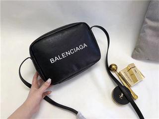 人気新品 Balenciagaバレンシアガ ショルダーバッグ