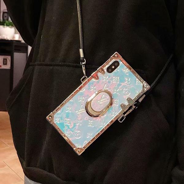 iphone8/8plusケース★高級感あり