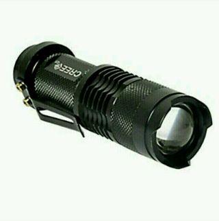 軍用 LEDライト ズーム機能付き 3モード