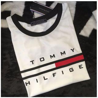 トミー 腹出しTシャツブラックとホワイト選択