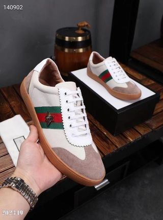 高品質 人気カップル革靴。紳士スニーカー