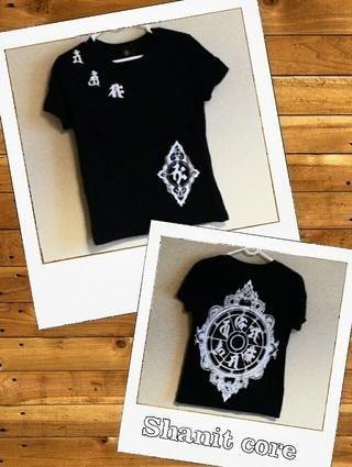 Shanit core Tシャツ
