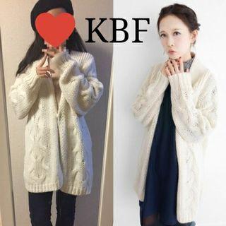 新品KBF ケーブル編みガウンカーディガン ニット 白