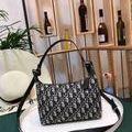 Dior ショルダーバッグ 大人気 新品