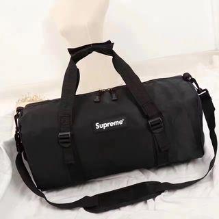 【早い者勝ち】supreme   旅行用バッグ