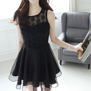 L ブラック ワンピース ドレス ノースリーブ 刺繍 ひざ丈