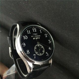 IWC腕時計 ブラック メンズ 大人感