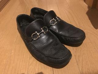 フェラガモ 革靴 値下げ可能