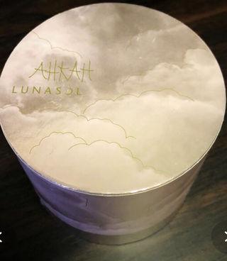 LUNASOL * AHKAHシャイニングパウダー