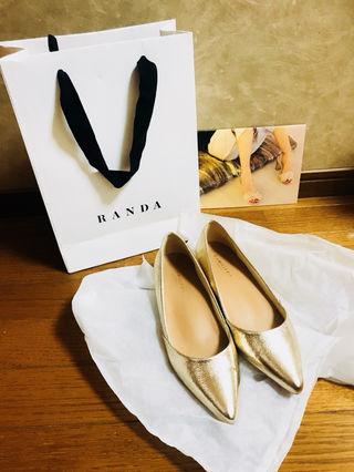 RANDA・ゴールドローヒールパンプス・美品