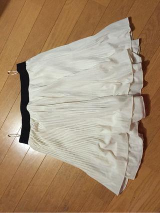 スカート 白 ひらひら ふわふわ