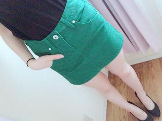 緑 タイトスカート