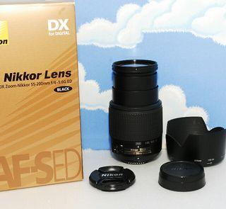 美品ニコンの望遠 Nikon AF-S 55-200mm